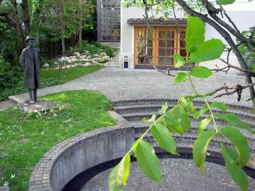 Az emlékház / The house