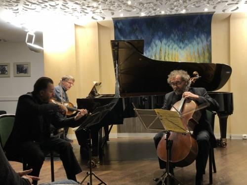 2019.11.15. Beethoven összes zongoratriója 1. Kállai Ernő, hegedű; Varga István , cselló; Csalog Gábor, zongora